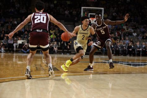 Commodores blow lead, suffer heartbreaking loss to Arkansas