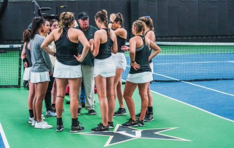 Vanderbilt Women's Tennis Withstands Hurricanes, Defeats Miami 4-1