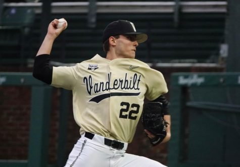 Jack Leiter winds up to throw during Vanderbilt