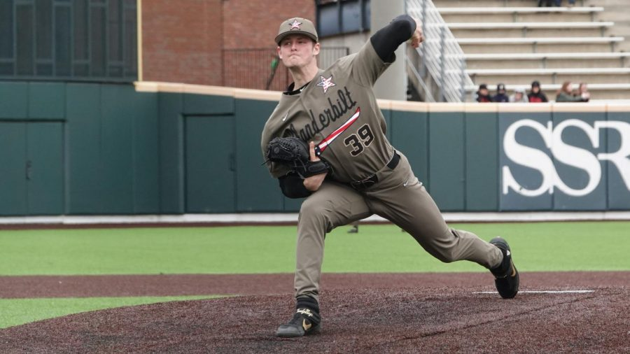 Vanderbilt pitcher Jake Eder delivers a pitch in the Commodores' win over UIC on February 23, 2020. (Hustler Multimedia/Mattigan Kelly)