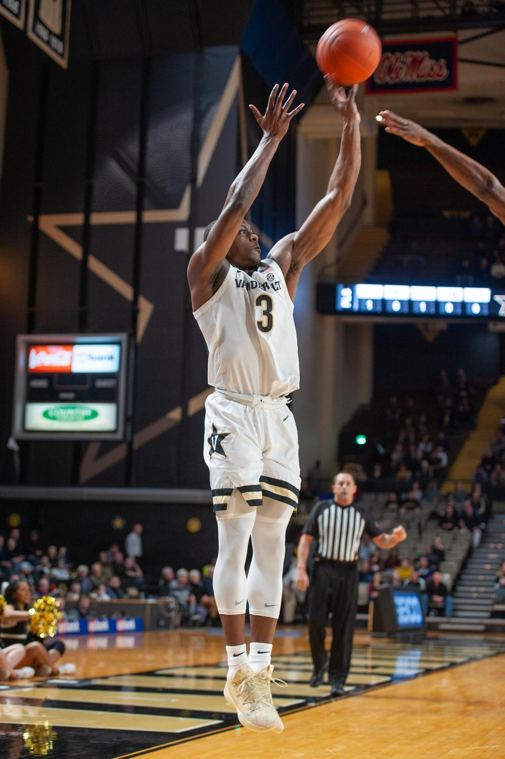Guard Max Evans (3) hit a career high 7 three pointers in the Commodores win over LSU on Feb. 5th.