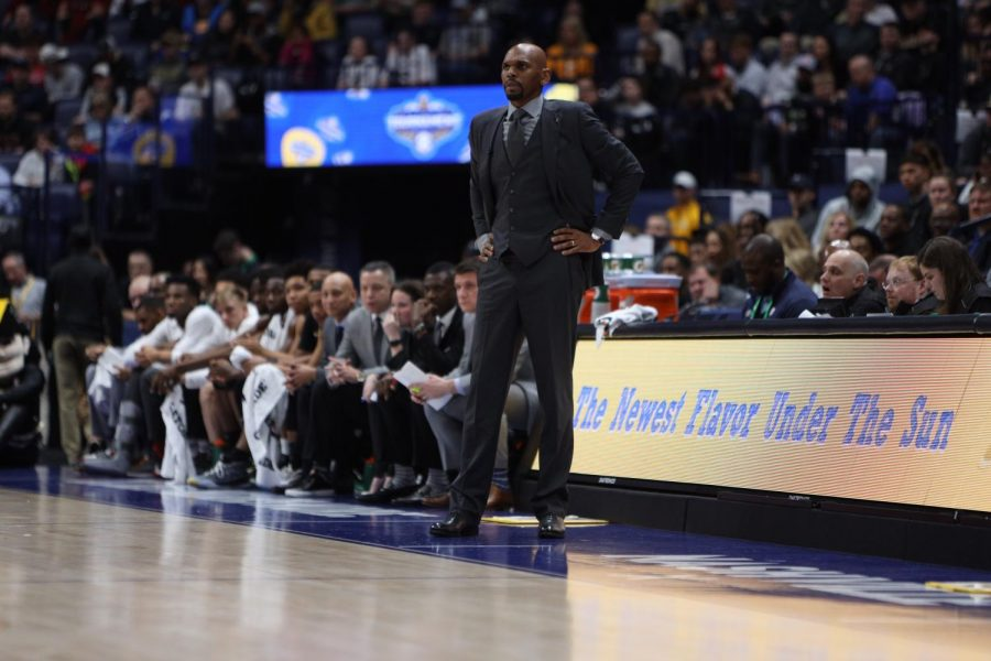 Vanderbilt Head Coach Jerry Stackhouse watches from the sidelines in his team's loss to Arkansas. (Hustler Multimedia/Hunter Long)
