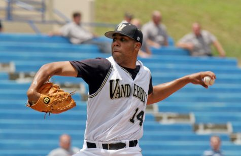 David Price pitching for the Vanderbilt Commodores (Photo courtesy ESPN)