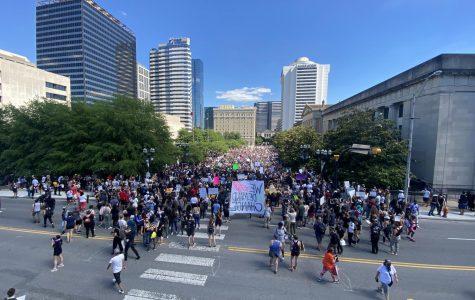 Protestors at Legislative Plaza (WKRN/Stassy Olmos)