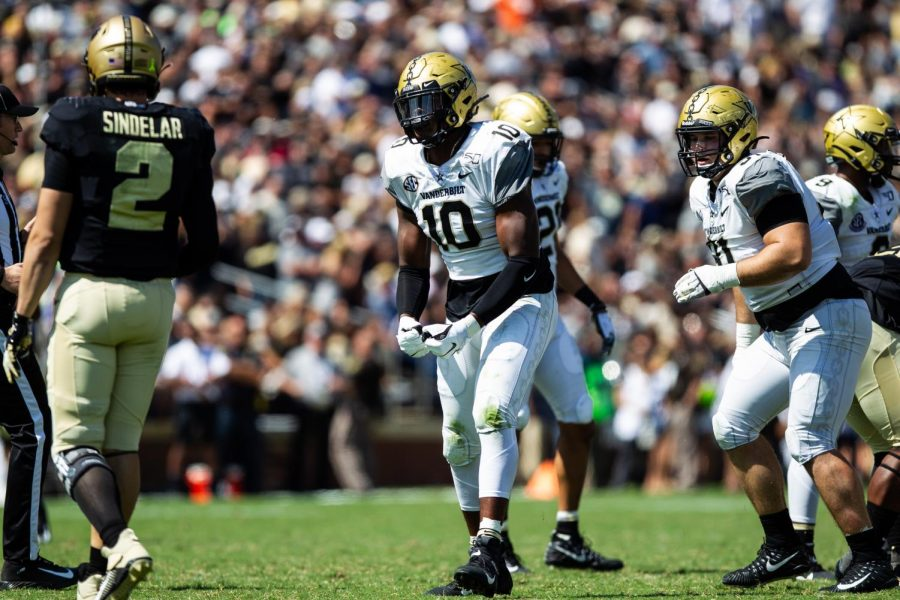 Defensive lineman Dayo Odeyingbo will be an important piece to this year's Vanderbilt defense