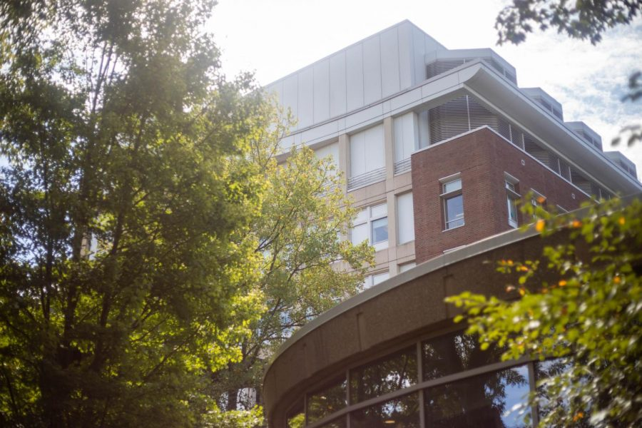 As Vanderbilt prepares for both online and in-person classes in the fall, the voices of many faculty, from tenured professors in Stevenson to grad instructors in Wilson, have been sidelined. (Hustler Multimedia / Emily Gonçalves)