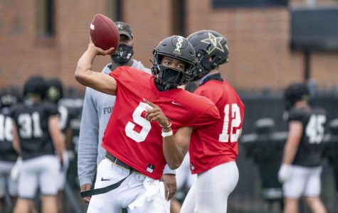 Mike Wright throws in Vanderbilt football practice. (Vanderbilt Athletics)