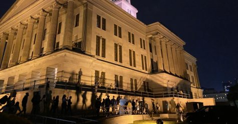 Crowd gathers at Capitol Sept. 23 at 9:30 p.m. in response to Breonna Taylor decision. (Hustler Staff/Justine Del Monte)