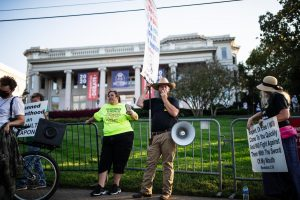 Trump supporters and counter-protesters stand outside of Belmont University before the final presidential debate on Oct. 22. (Hustler Multimedia/Hunter Long)