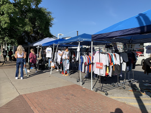 The Collective Vintage Pop-Up Shop in Hillsboro Village, Oct. 5 (Hustler Staff/Sophie Edelman)