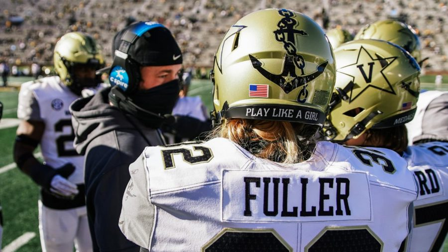 Sarah Fuller in the huddle as the Commodores face the Missouri Tigers on Nov. 28, 2020. (Vanderbilt Athletics)