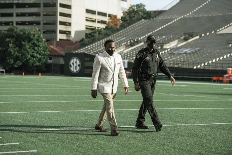 Derek Mason takes the field prior to Vanderbilt's contest with Florida on Nov. 22, 2020. (Hustler Multimedia/Truman McDaniel)