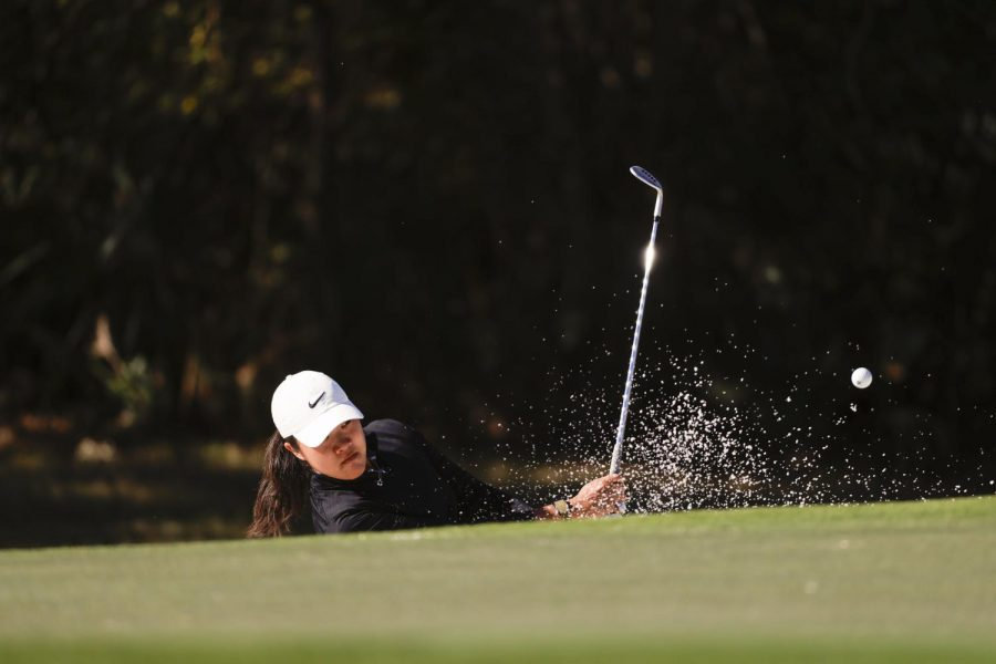Khang takes early lead at US Women's Open