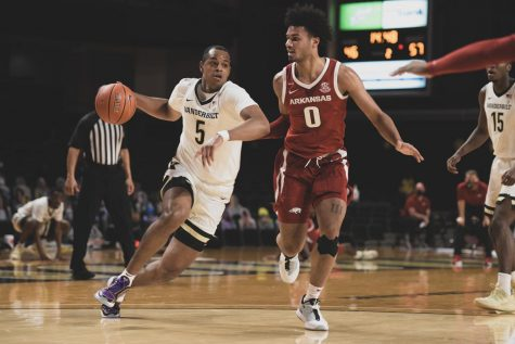 Shorthanded Commodores fall to the Arkansas Razorbacks 92-71