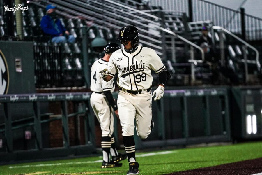 Jayson Gonzalez trots home after hitting a home run against Tennessee Tech. (Twitter/@VandyBoys)