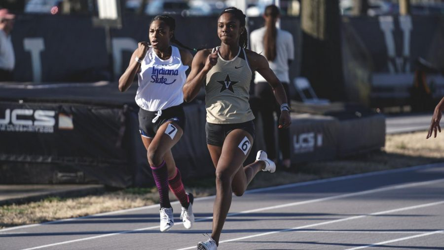Taiya Shelby wins the 800-meter race at the Bulldog Relays. (Twitter/@Vandyxctrack)