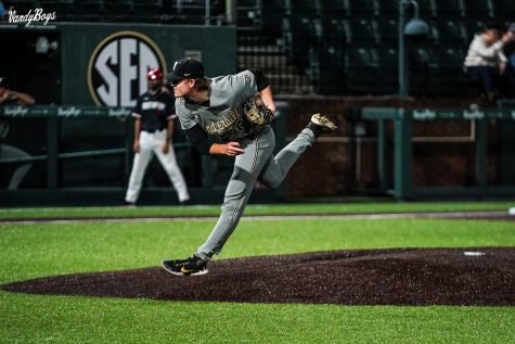 Vanderbilt returns to Hawkins Field, routes Austin Peay 7-0
