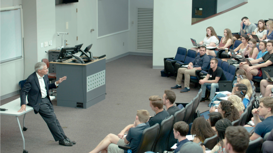 students+surround+Jon+Meacham+as+he+lectures