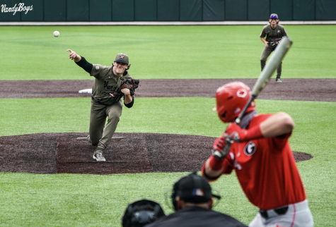 Patrick Reilly pitches against Georgia on April 10, 2021. (Twitter/@VandyBoys)