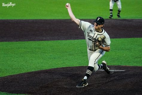Thomas Schultz pitches against Eastern Kentucky on April 13, 2021. (Twitter/@VandyBoys)