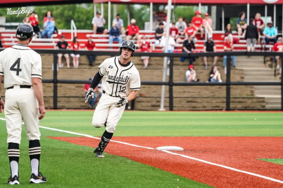 Vanderbilt baseball hosts the Alabama Crimson Tide this coming weekend in Nashville following a loss to Louisville on Tuesday. (Twitter/@VandyBoys).