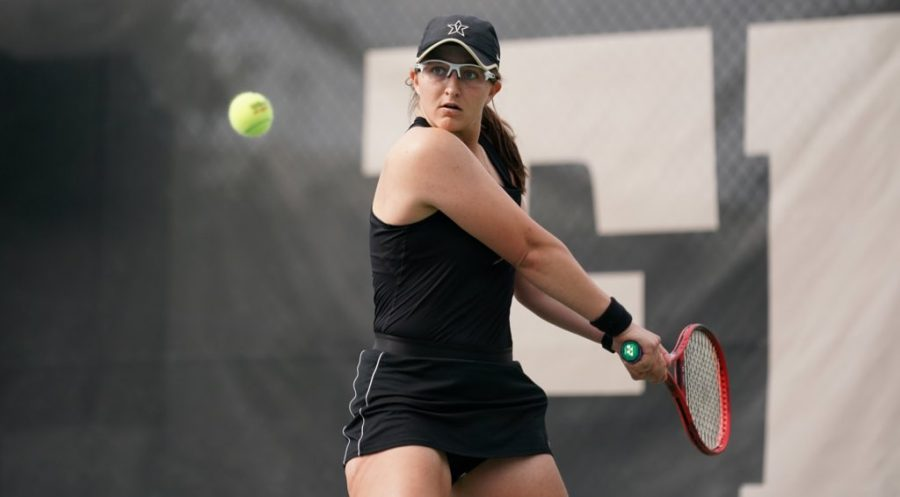 Senior Christina Rosca advanced to the Elite Eight of the NCAA Tournament before being eliminated. (Twitter/@VandyWTennis).