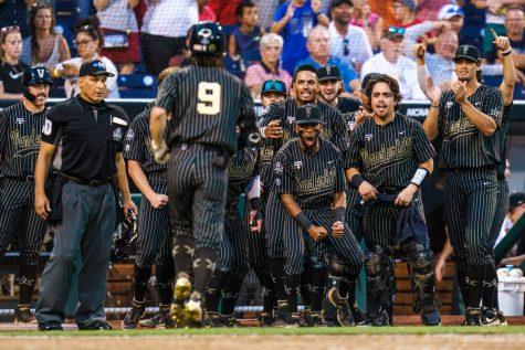 College World Series: Vanderbilt walks off Arizona, 7-6, in 12 innings