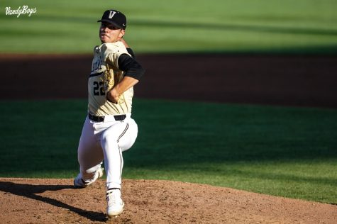 College World Series: Offense goes silent as Vanderbilt loses to North Carolina State, 1-0