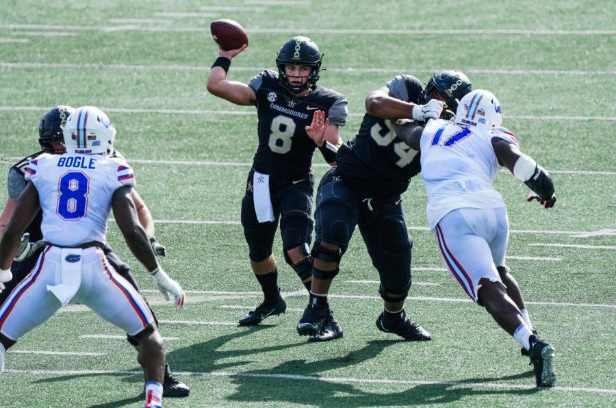 Vanderbilt quarterback Ken Seals throws for 319 yards in loss to SEC foe Florida in 2020 season. (Twitter/@VandyFootball)