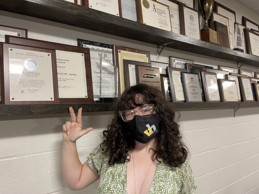 Jessica Barker masked in the newsroom in Sarratt