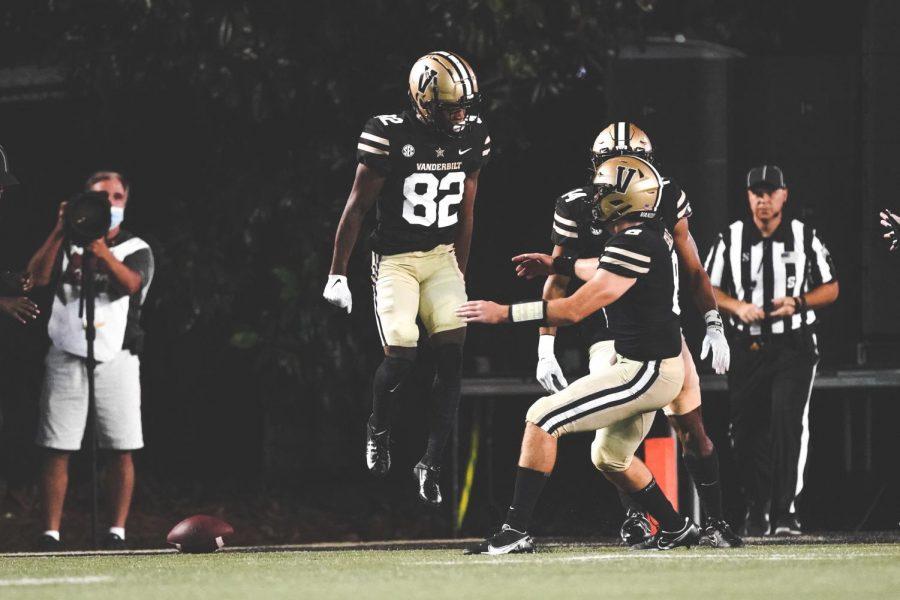 Vanderbilt wide receiver Devin Boddie Jr. celebrates a touchdown catch in Vanderbilts loss to Stanford. (Vanderbilt Athletics).