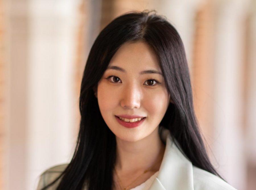 Elle Choi headshot