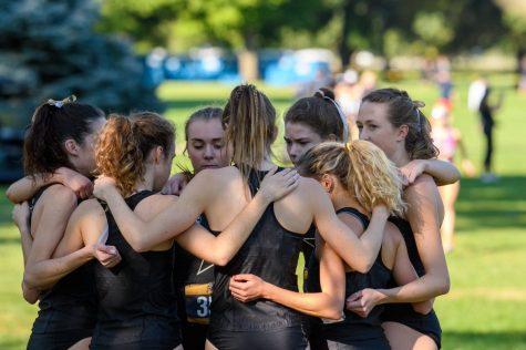 Vanderbilt cross-country team huddles