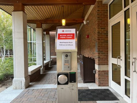 A sign outside of the Kissam Center advertising the Homecoming Blood Drive